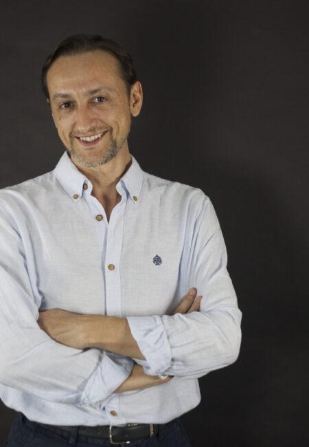 Rupert León